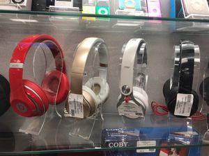 Beats by Dre headphones (solo & studios) wired and wireless for Sale in Pittsburgh, PA