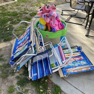 Lawn Chairs and Kid Water Toy FREE for Sale in Rancho Cucamonga, CA