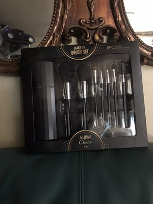 Brand new makeup brush gift set for Sale in undefined