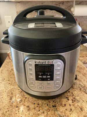 Instant Pot like new for Sale in Anaheim, CA