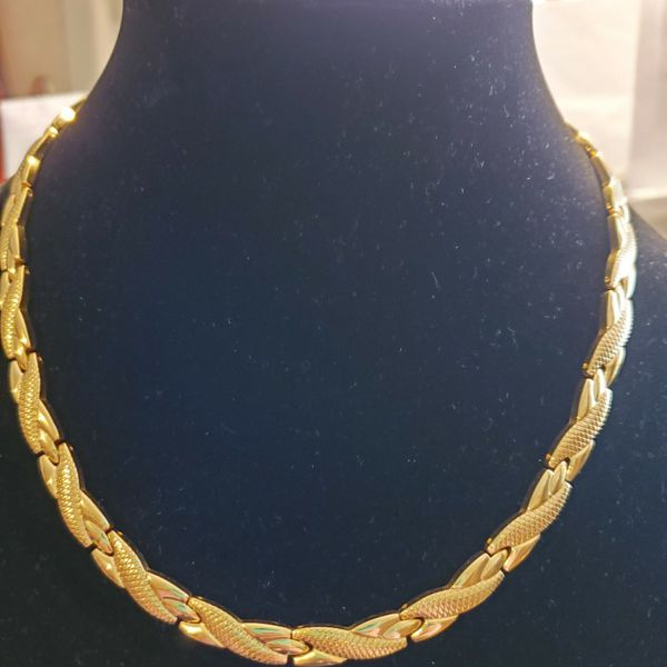Gold Chain With Magnets