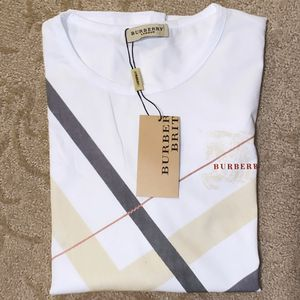 Burberry tshirt for Sale in Henderson, NV