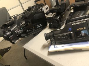 Lot of vintage video cameras mint condition for Sale in Brentwood, CA