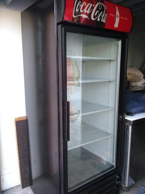 1 door refrigerator in perfect condition brand true for Sale in Pembroke Pines, FL
