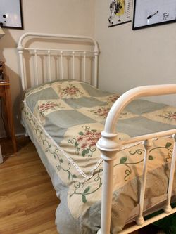 Two matching twin beds, mattresses, bedding for Sale in Iowa City,  IA
