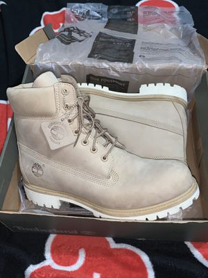 """Timberland 6"""" croissant for Sale in Hialeah Gardens, FL"""