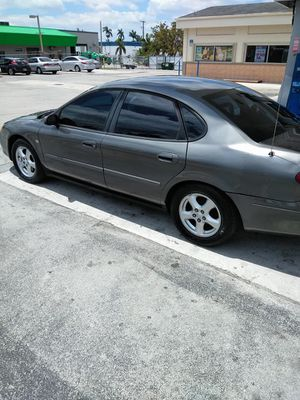 2004 Ford Taurus for Sale in Flamingo, FL