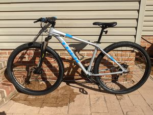 TREK Marlin 4 Mountain Bike Medium Suspension Full Discs for Sale in Baldwin, MD