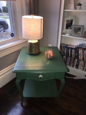 Green End Table with drawer for Sale in Columbus, OH