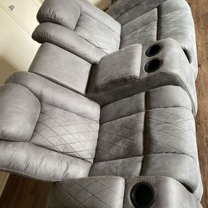 Recliner couches for Sale in Madera, CA