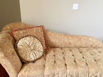 One Arm Sofa for Sale in West Bloomfield Township,  MI