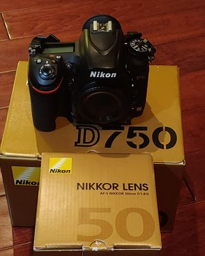 Nikon D750 with lense for Sale in Long Beach, CA