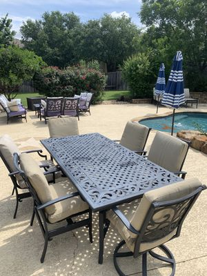 Patio Dining Table with 6 chairs (2 are rockers) for Sale in Cedar Park, TX