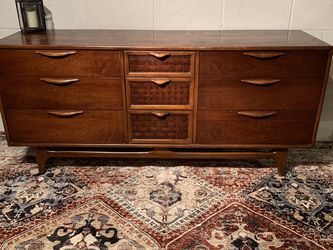 Mid Century Modern Lane Dresser for Sale in Swedesboro,  NJ