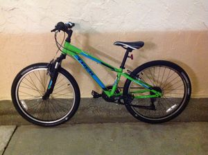 BICYCLE TREK 21 SPEED BRAND NEW NEVER USED for Sale in Miami, FL