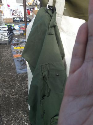 Green Duffle bag for Sale in Turlock, CA