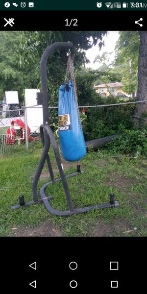 2 Punching bag s /wit chain for Sale in Orlando, FL