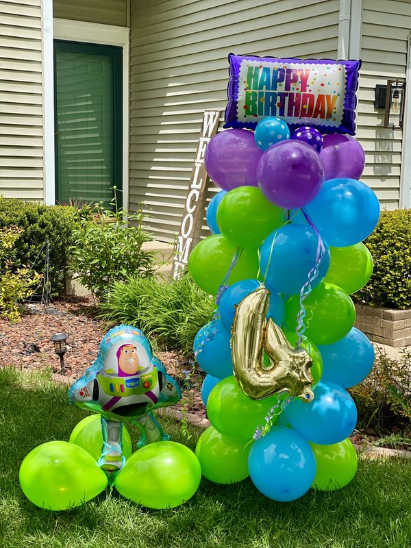 Buzz light year balloon column! Look how awesome this came out place your orders 😉