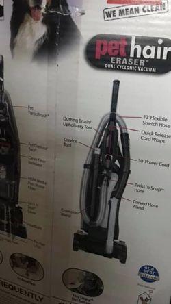 Bissell Pet Eraser Vacuum for Sale in Pasadena,  CA