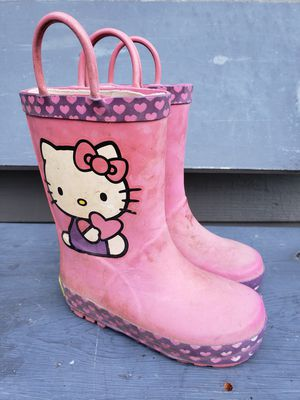 Pink rain boots size 7 / 8 for Sale in Auburn, WA