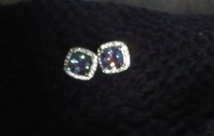 Beautiful vintage Alexandrite gemstone and diamond stud earrings for Sale in Montclair, CA