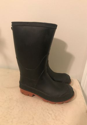 Boys sized 9 water/snow boots for Sale in Acworth, GA