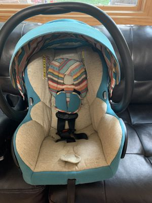 Maxi Cosi infant car seat & base for Sale in Silver Spring, MD