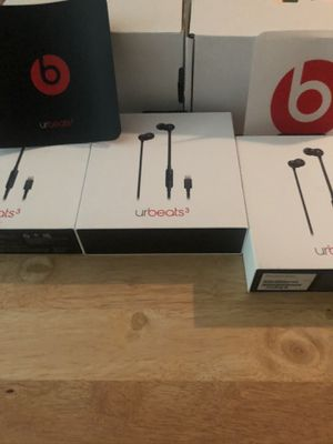 Beats by Dre Ur beats3 16 pair available. $20 each for Sale in Lutherville-Timonium, MD
