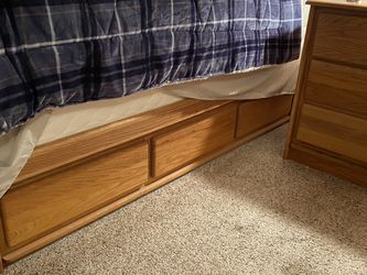 6 Piece Queen Bed Set for Sale in Snohomish,  WA