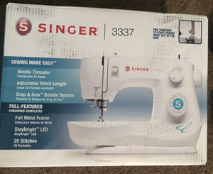 Singer 3337 Simple 29-stitch Heavy Duty Home Sewing Machine. for Sale in Portland, OR