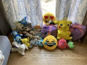 Assortment of 22 plushies for Sale in San Diego, CA