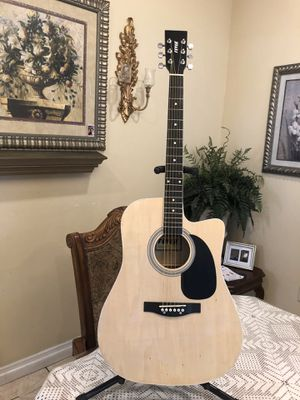 Fever classic acoustic guitar with metal strings for Sale in Cudahy, CA