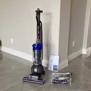 Dyson Ball Vacuum Cleaner for Sale in Richmond, TX