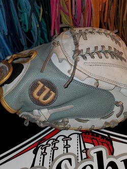 Wilson A2000 Fastpitch Catchers Glove for Sale in Riverside,  CA