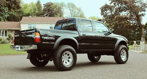 Clean chassis 03 Toyota Tacoma for Sale in St. Petersburg, FL