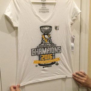 NHL Pttsburgh Penguins Stanley Cup Champions. for Sale in Clermont, FL