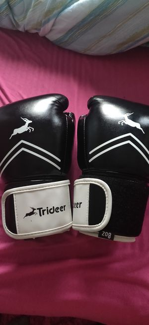 Training box cloves for Sale in Coconut Creek, FL