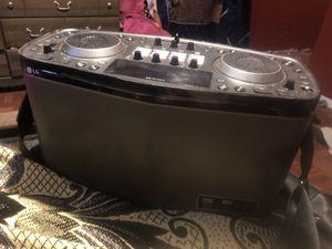 LG Rk8 Dj boombox/ Bluetooth speaker for Sale in San Antonio, TX