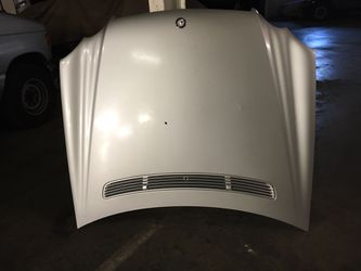 Mercedes CLK 230/350/500 Hood With Assemblies Oem Fits Year 2003-2009. for Sale in Downey,  CA