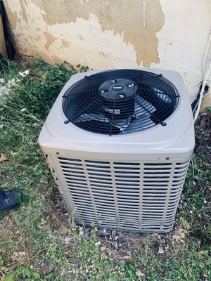 Out door air conditioner 2.5 Tn for Sale in Springfield, VA