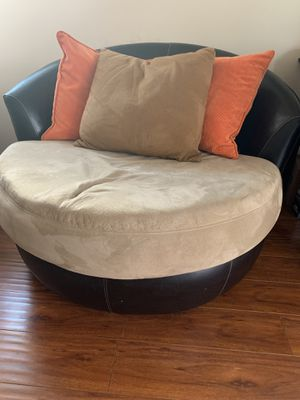 brown round swivel chair couch for Sale in Temple City, CA