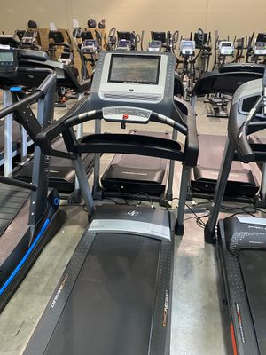 "NordicTrack Elite 1400 Treadmill with 14"" screen for Sale in Peoria, AZ"