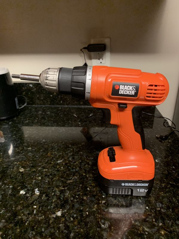 Black & Decker Power Drill ( With bits) & detachable battery