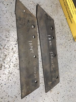 (2) IH 144 Plow Shares $8 for both You Must Pickup for Sale in New Ringgold, PA