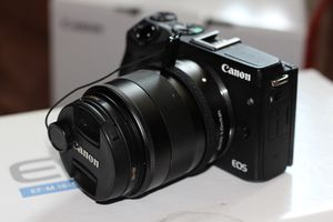 EOS M3 EF-M 18-55mm IS STM Kit for Sale in Seattle, WA