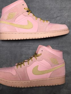 Jordan 1 Mid Coral Gold Size 8.5 for Sale in Dallas,  TX
