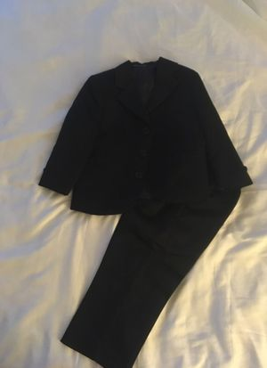Boy suit size 2T Paid $25, asking only $5 for Sale in Chicago, IL