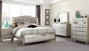 Bedroom set 4 PC for Sale in Hialeah, FL
