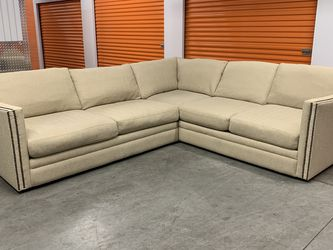 Gorgeous Sectional Sofa (Free Delivery 🚚) for Sale in Lake Forest,  CA