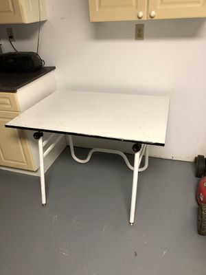 Artist/drafting table $40 for Sale in Cranberry Township, PA